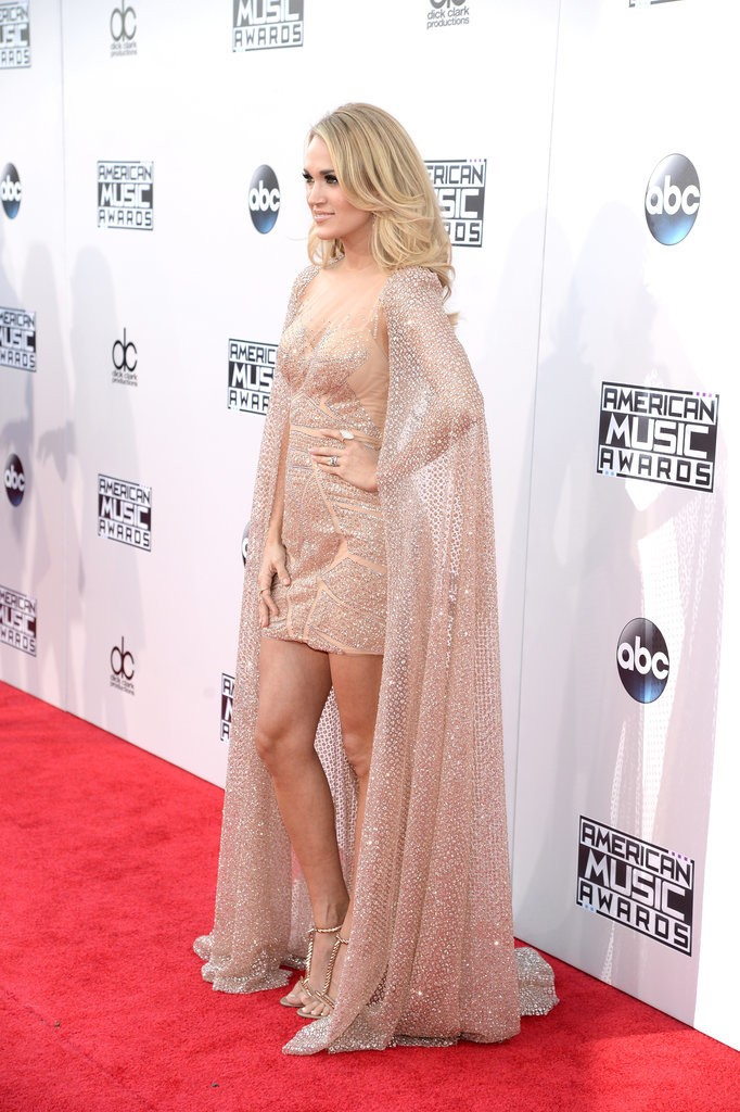 Carrie-Underwood-Dress-American-Music-Awards-2015-6