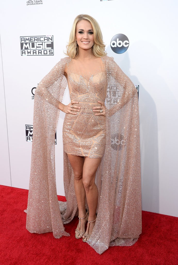 Carrie-Underwood-Dress-American-Music-Awards-2015-7