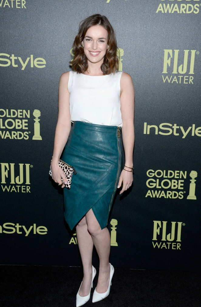 Elizabeth-Henstridge--HFPA-And-InStyle-Celebrate-The-2016-Golden-Globe-Award-Season--01-662x1011