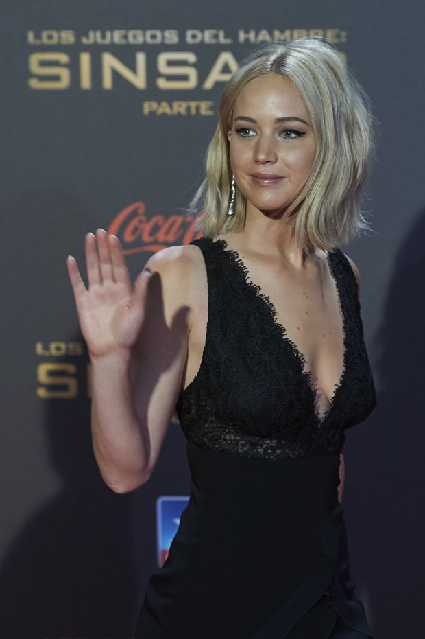 jennifer-lawerence-in-ralph-lauren-the-hunger-games-mockingjay-part2-madrid-premiere