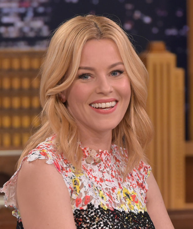 elizabeth-banks-in-monique-lhuillier-at-the-tonight-show-starring-jimmy-fallon