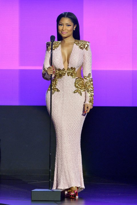 nicki-minaj-in-michael-costello-2015-american-music-awards