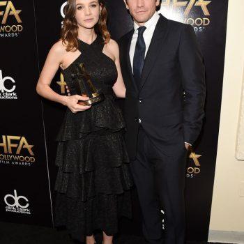 Jake-Gyllenhaal-2015-Style-Hollywood-Film-Awards-Suit-681×700