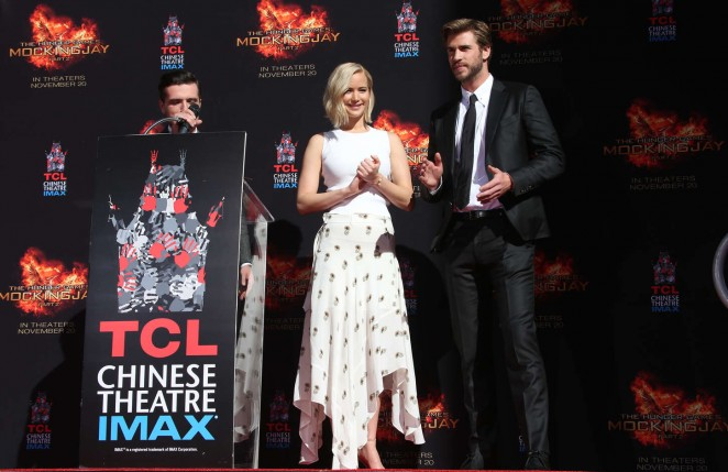 Jennifer-Lawrence–The-Hunger-Games-Imprint-Ceremony–10-662×429
