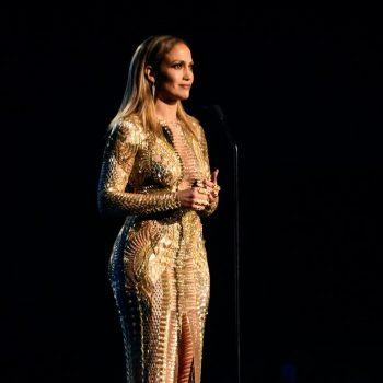 Jennifer-Lopez-2015-American-Music-Awards-Best-Moments-1-698×1024