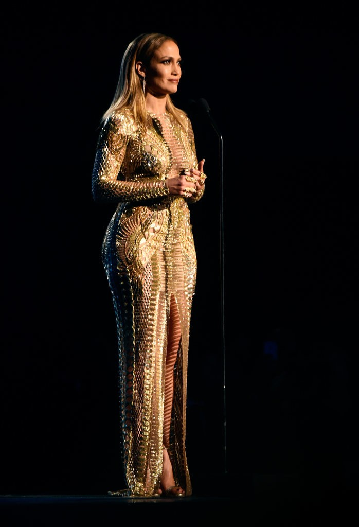 Jennifer-Lopez-2015-American-Music-Awards-Best-Moments-1
