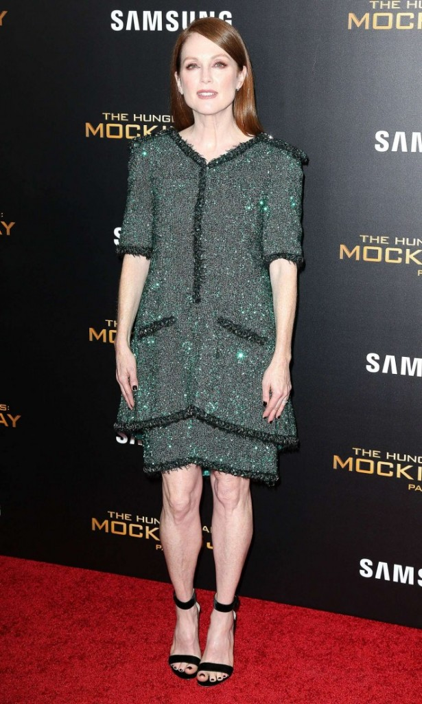 Julianne-Moore--The-Hunger-Games-Mockingjay-Part-2-NY-Premiere--06-662x1103