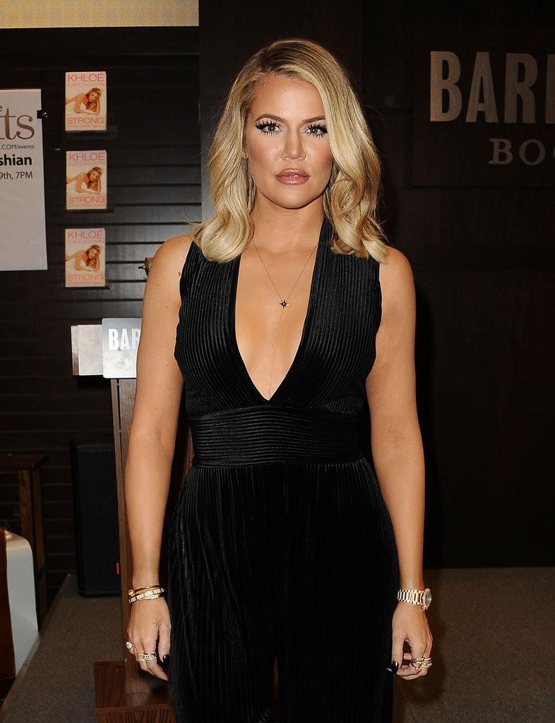 Khloe-Kardashian-Book-Signing-LA-November-2015