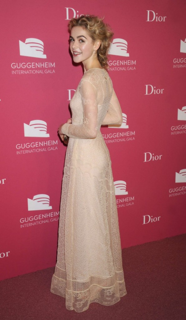 Kiernan-Shipka--2015-Guggenheim-International-Gala-Dinner--07-662x1135