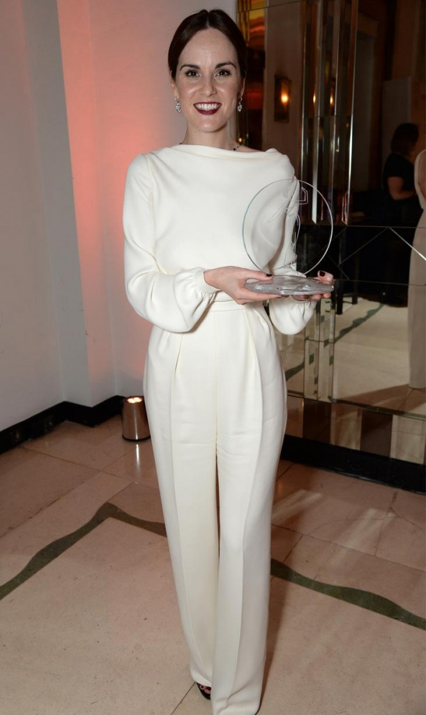 michelle-dockery-in-ralph-russo-at-2015-harpers-bazaar-women-of-the-year-awards