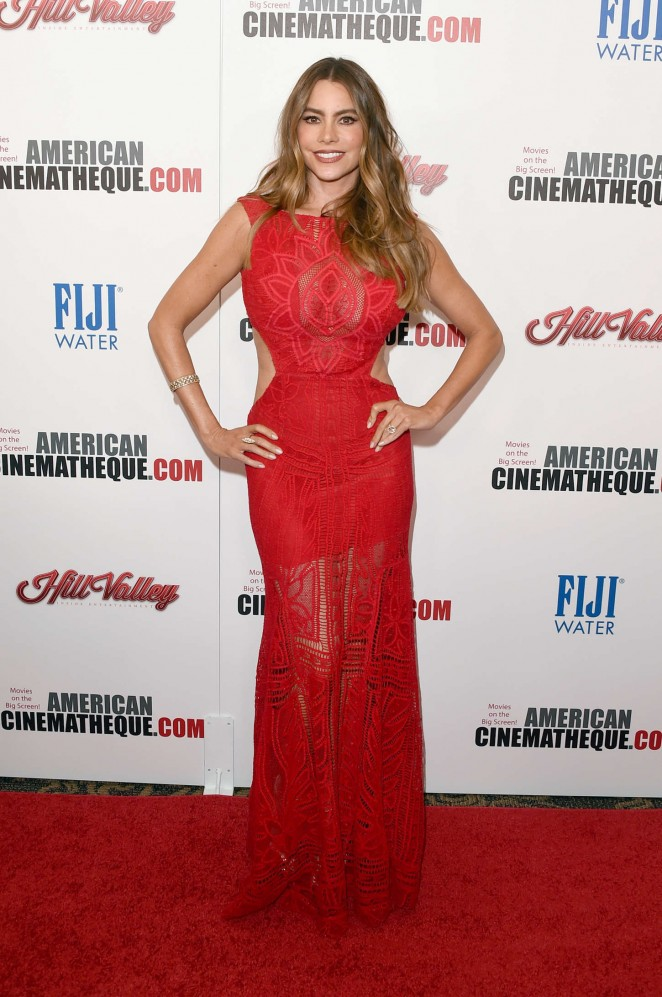 Sofia-Vergara--29th-American-Cinematheque-Award-Honoring-Reese-Witherspoon--12-662x997