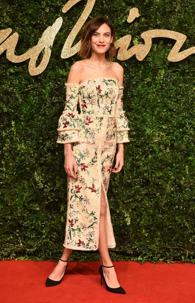 alexa-chung-british-fashion-awards-2015-in-london_3