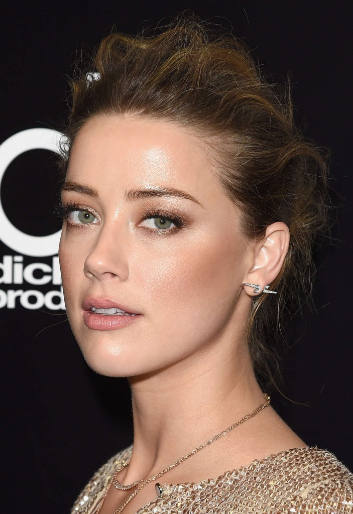 amber-heard-in-temperley-london-at-19th-annual-hollywood-film-awards-4