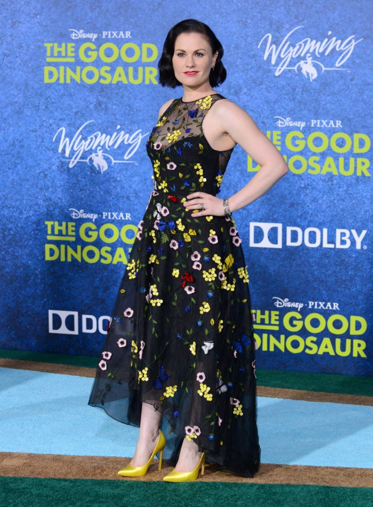 anna-paquin-the-good-dinosaur-premiere-in-los-angeles-premiere-at-el-capitan-theatre_10