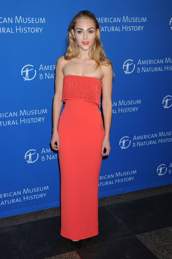 annasophia-robb-2015-american-museum-of-natural-history-museum-gala-in-new-york-city_1-683×1024