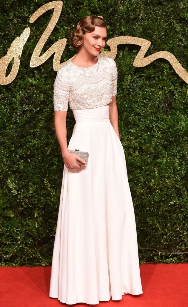 arizona-muse-british-fashion-awards-2015-in-london_3