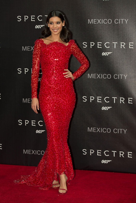 stephanie-sigman-in-armani-prive-at-spectre-mexico-city-premiere