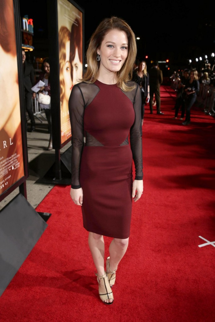 ashley-hinshaw-at-the-danish-girl-premiere-in-westwood-11-21-2015_1