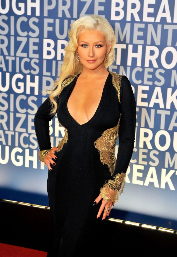 christina-aguilera-2016-breakthrough-prize-ceremony-in-mountain-view_1