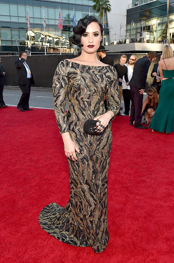 demi-lovato-worst-dressed-amas-american-music-awards-2015