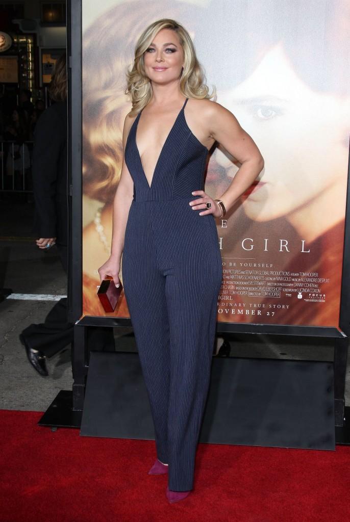 elisabeth-rohm-the-danish-girl-premiere-in-westwood-november-2015_1