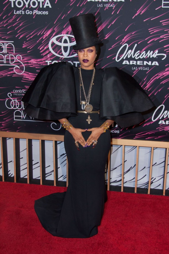 erykah-badu-2015-bet-soul-train-awards-at-the-orleans-arena-in-las-vegas_1