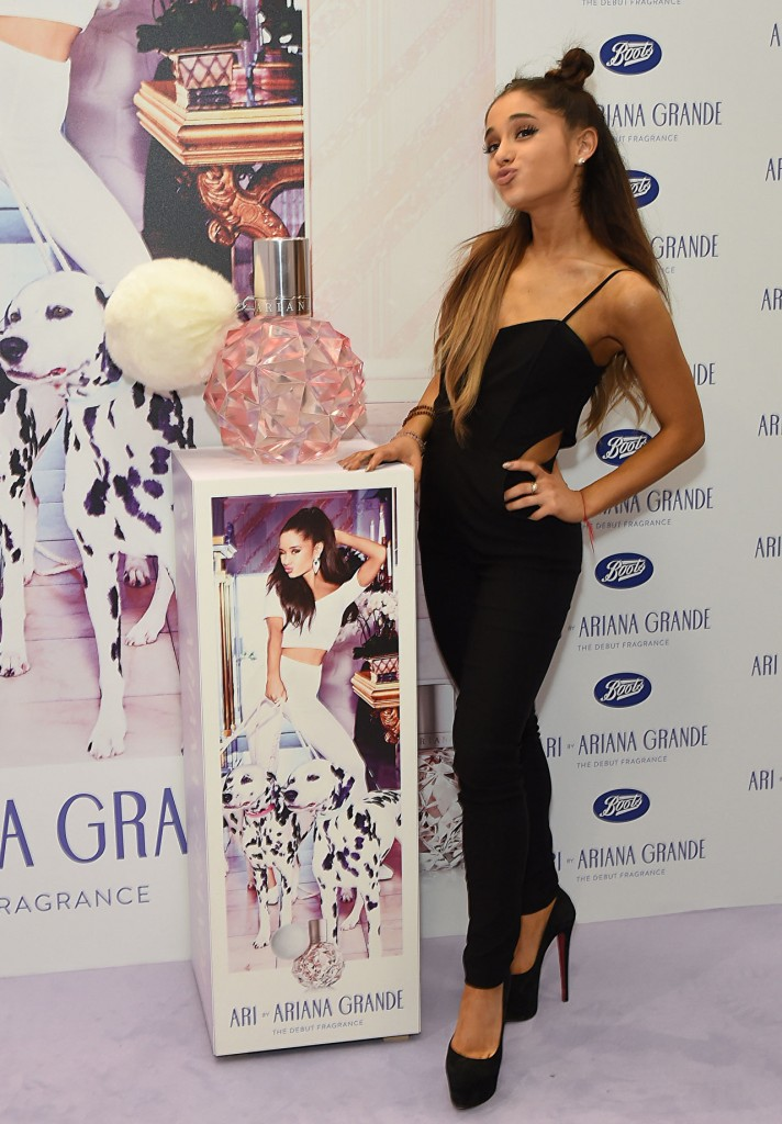 ariana-grande-launches-her -new-perfume-ari-london