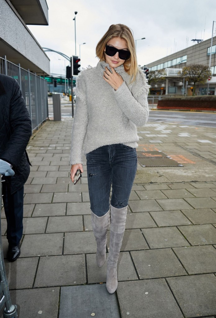 gigi-hadid-at-heathrow-airport-in-london-11-30-2015_3