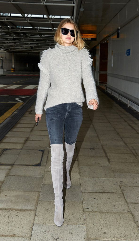gigi-hadid-at-heathrow-airport-in-london-11-30-2015_6