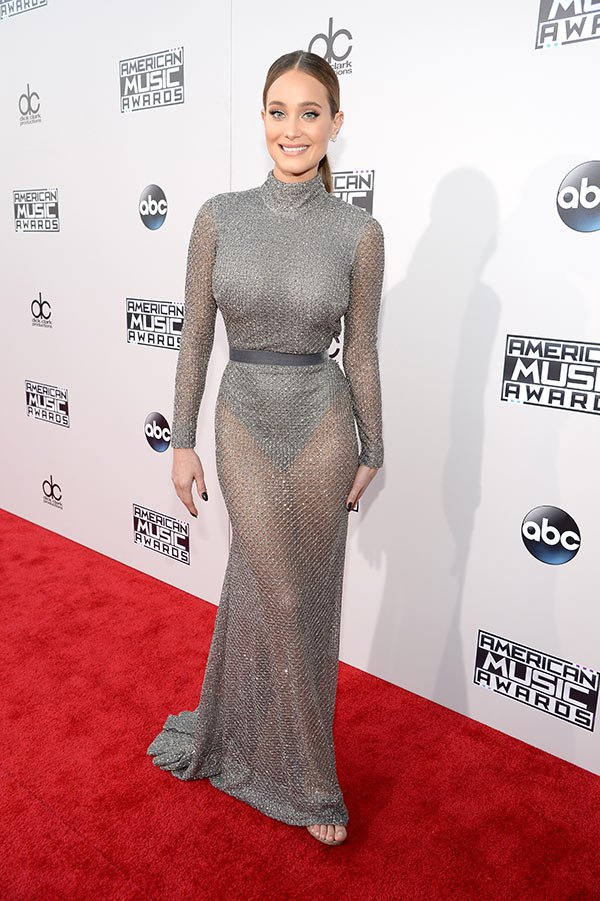 hannah-davis-amas-best-dressed-american-music-awards-2015