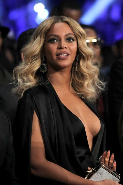 beyonce-knowles-in-michael-costello-miguel-cotto-v-canelo-alvarez-fight