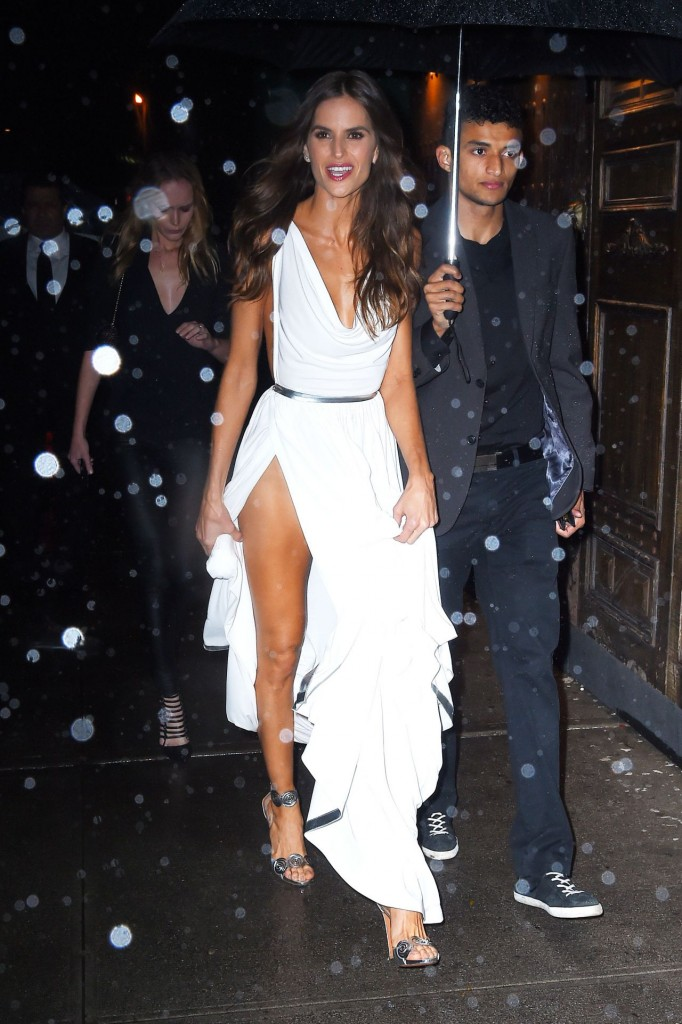 izabel-goulart-arrives-at-tao-for-victoria-s-secret-fashion-show-after-party-in-nyc_1