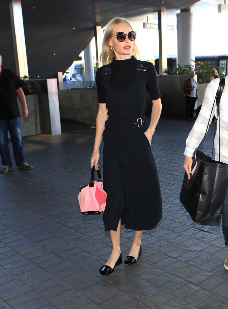 jaime-king-lax-airport-in-los-angeles-october-2015_1-1