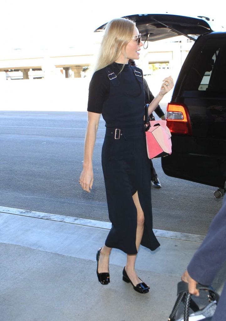 jaime-king-lax-airport-in-los-angeles-october-2015_4