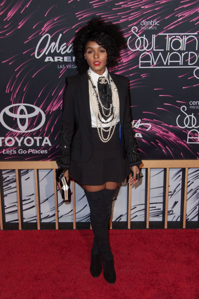janelle-monae-2015-bet-soul-train-awards-at-the-orleans-arena-in-las-vegas_4