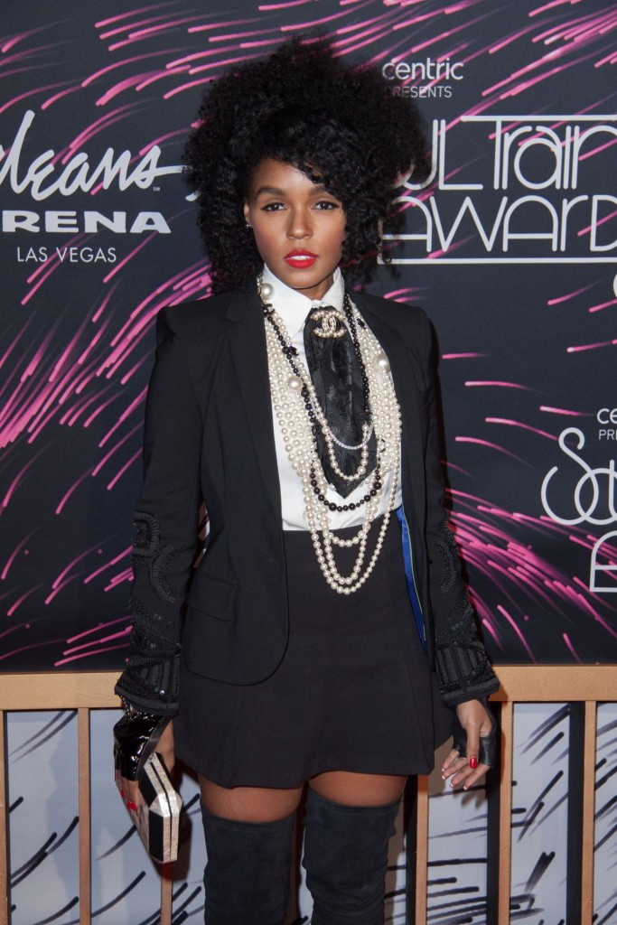 janelle-monae-2015-bet-soul-train-awards-at-the-orleans-arena-in-las-vegas_7-1