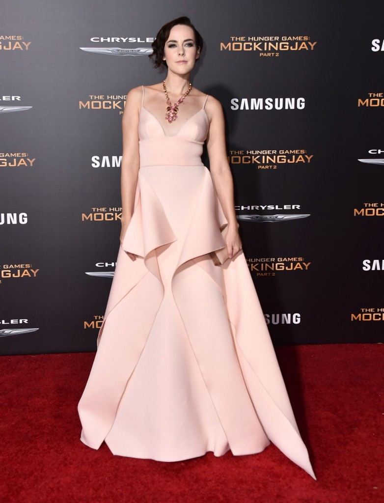 jena-malone-the-hunger-games-mockingjay-part-2-premiere-in-los-angeles_2