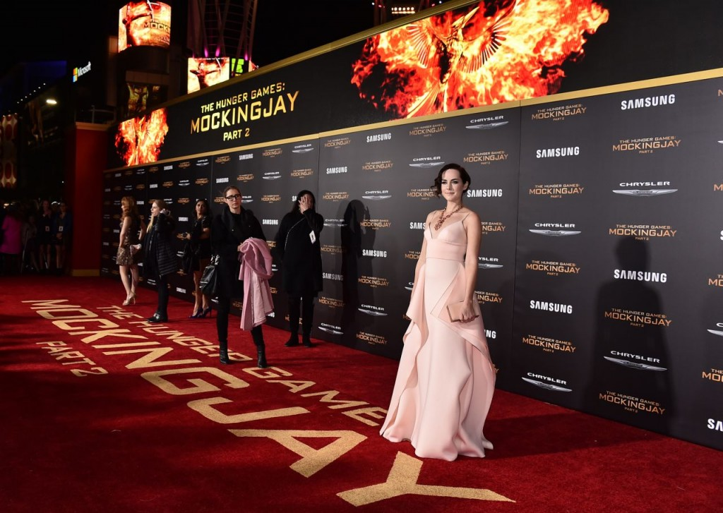 jena-malone-the-hunger-games-mockingjay-part-2-premiere-in-los-angeles_4
