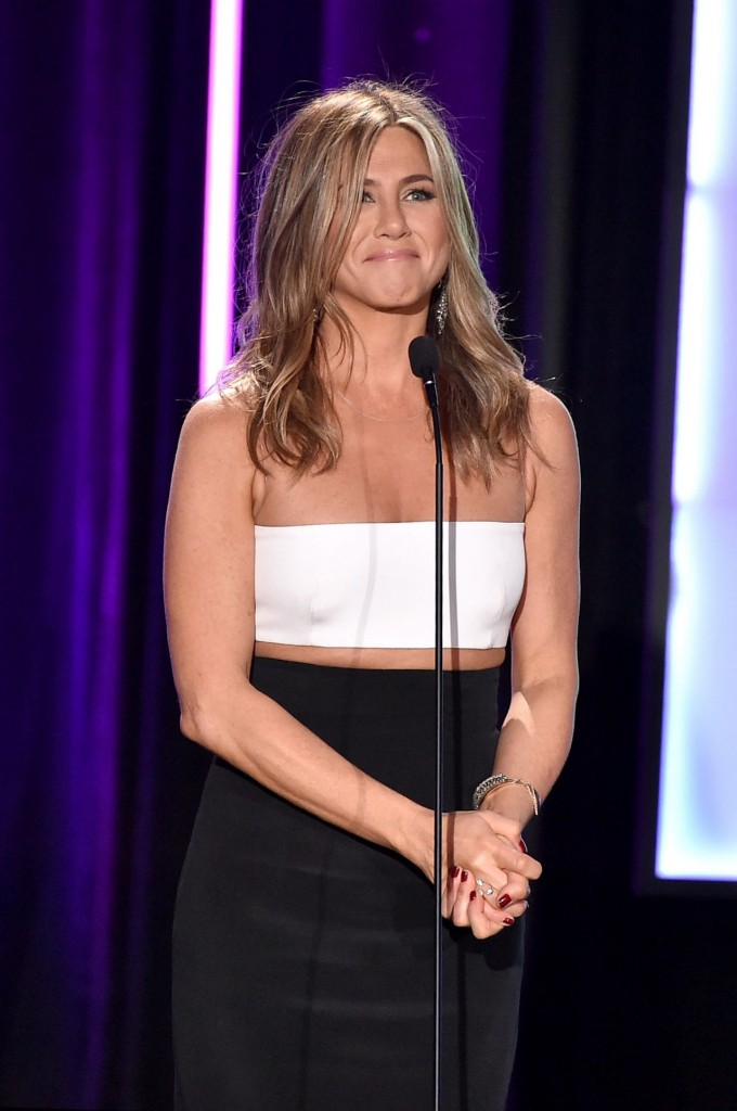 jennifer-aniston-2015-american-cinematheque-award-honoring-reese-witherspoon-in-los-angeles_5