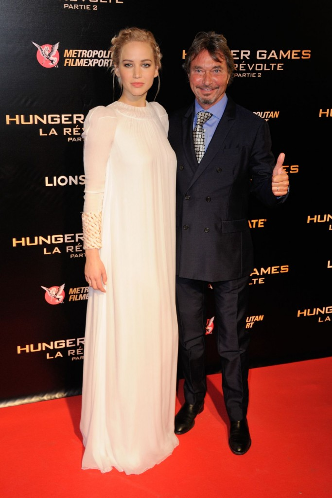 jennifer-lawrence-hunger-games-mockingjay-part-2-premiere-at-le-grand-rex-in-paris_10