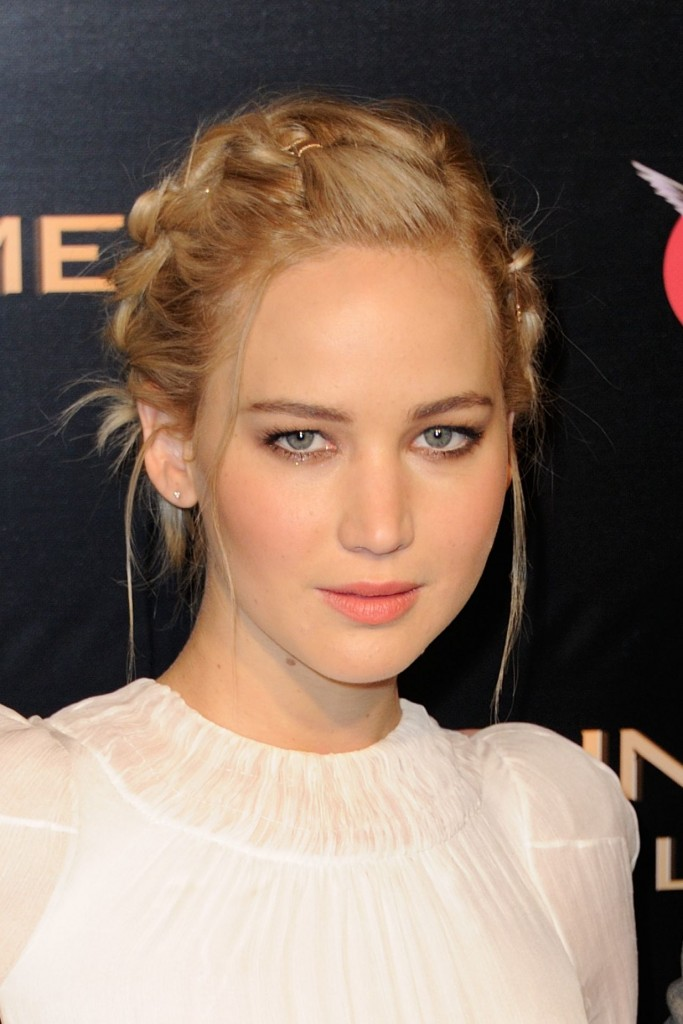 jennifer-lawrence-hunger-games-mockingjay-part-2-premiere-at-le-grand-rex-in-paris_7