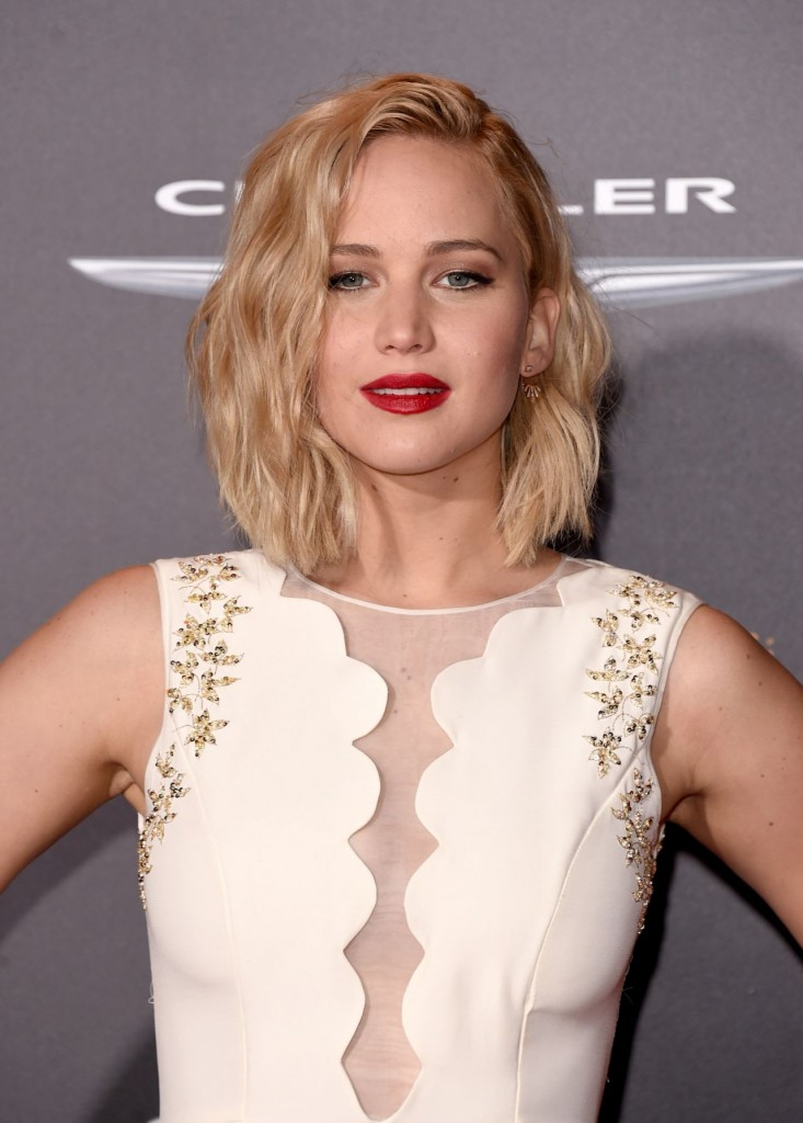 jennifer-lawrence-the-hunger-games-mockingjay-part-2-premiere-in-los-angeles_2