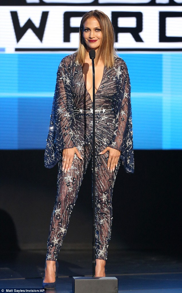 jlo-best-dressed-america-music-awards-2