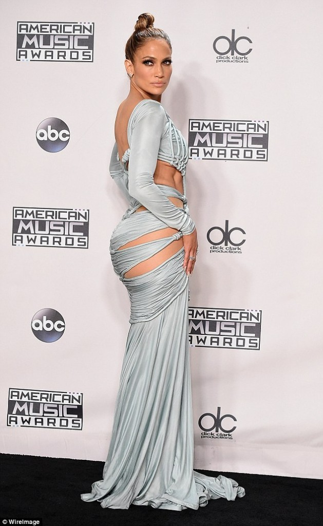 jlo-best-dressed-america-music-awards-2