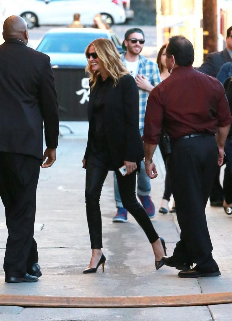 julia-roberts-at-the-jimmy-kimmel-show-in-hollywood-november-2015_4