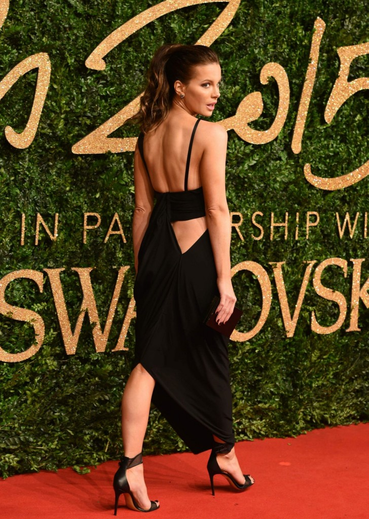 kate-beckinsale-british-fashion-awards-2015-at-london-coliseum_2