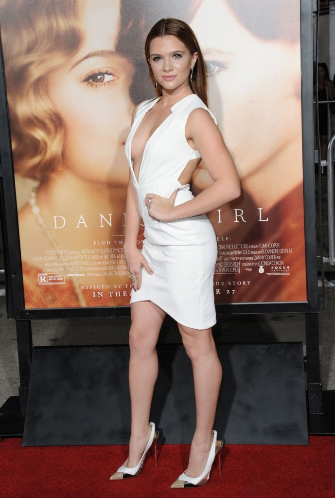 katie-stevens-the-danish-girl-premiere-in-westwood-november-2015_1