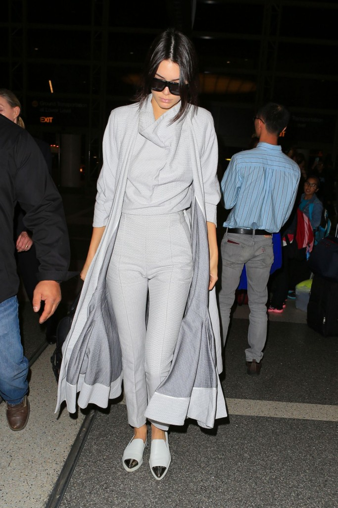 Kendall Jenner Spotted Lax Airport In La November 2015 Fashionsizzle