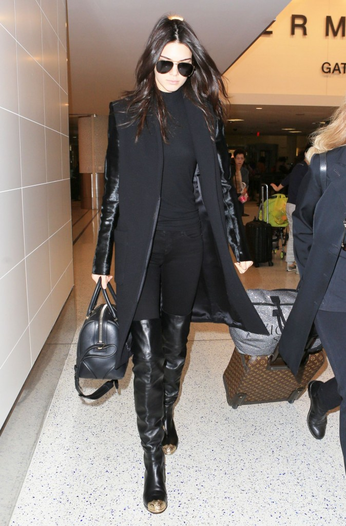 kendall-jenner-at-lax-airport-november-2015_7