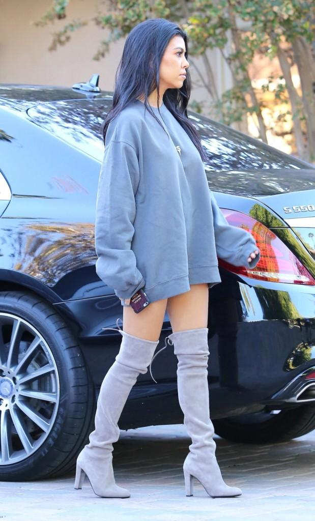 kourtney-kardashian-leggy-in-thigh-high-boots-sherman-oaks-october-2015_3